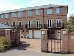 4 bed HMO house, Greenhithe, Kent