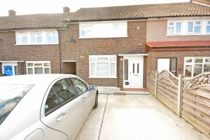 4 bed large house in Harold Wood, Essex