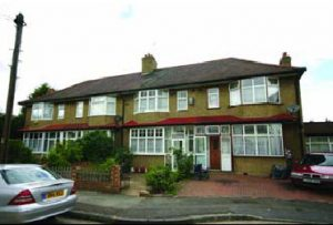 3 bed terraced house in Mitcham, Surrey
